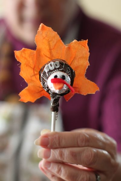 thanksgiving crafts for seniors we know how to do it