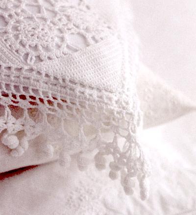 Crotchet pillow case
