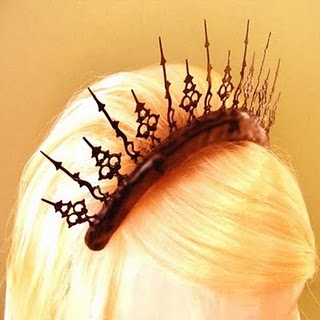 Halloween tiara (made from clock hands) – I absolutely need this for my Alice co