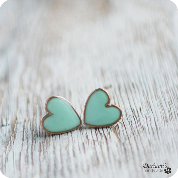 turquoise heart earrings. love love