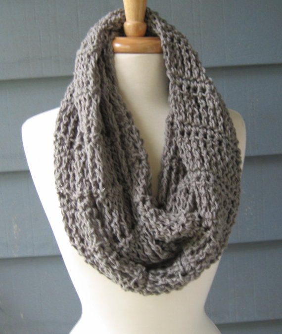 Crocheting Infinity Scarf : crochet infinity scarf We Know How To Do It