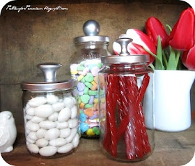 Jars made from spaghetti sauce jars–spray paint lid and add knob. Cool! – Click