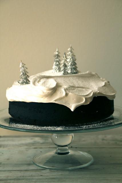 Beautiful Christmas cake | matpaabordet (Norwegian)  –  winter wonderland in an