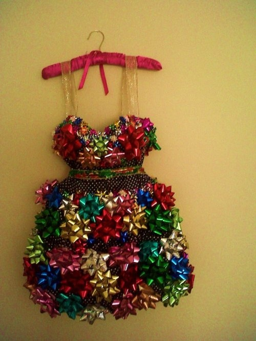 I need a tacky christmas party just to make this dress!!
