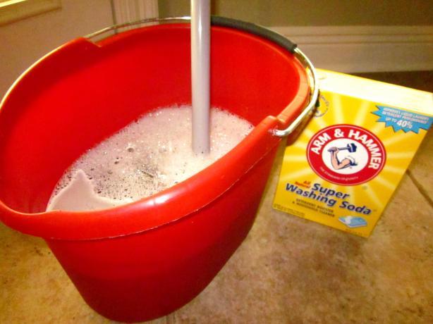 Heavy duty floor cleaner recipe: ¼ cup white vinegar 1 tablespoon liquid di