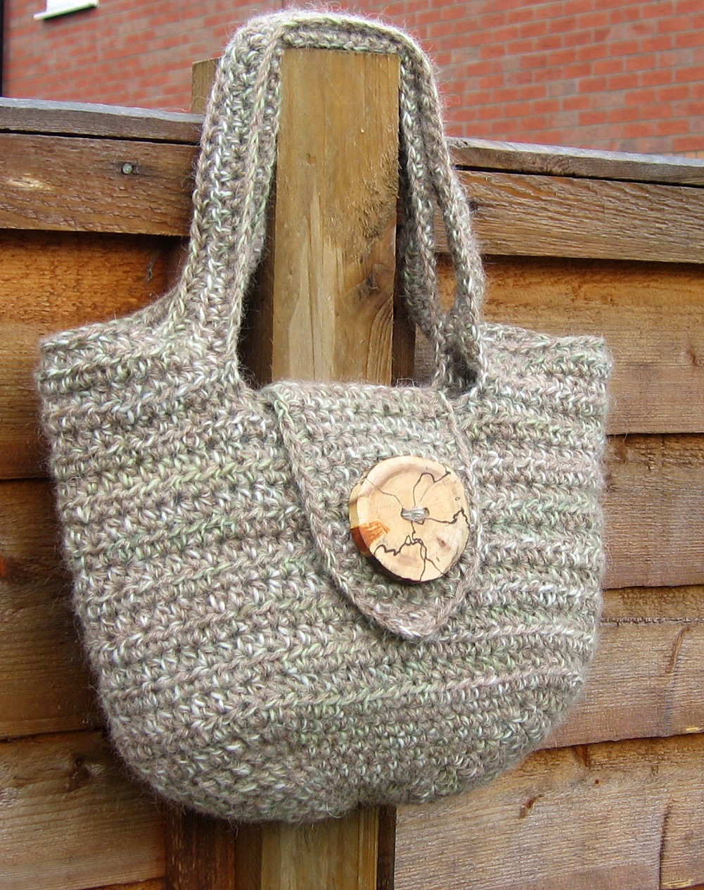 Free Crochet Bag : Blade of Grass: Free Crochet Pattern: The Pipistrelle Handbag (US ...