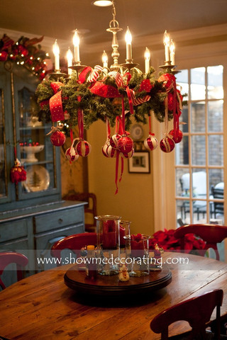 Christmas Chandelier Decorations Ideas