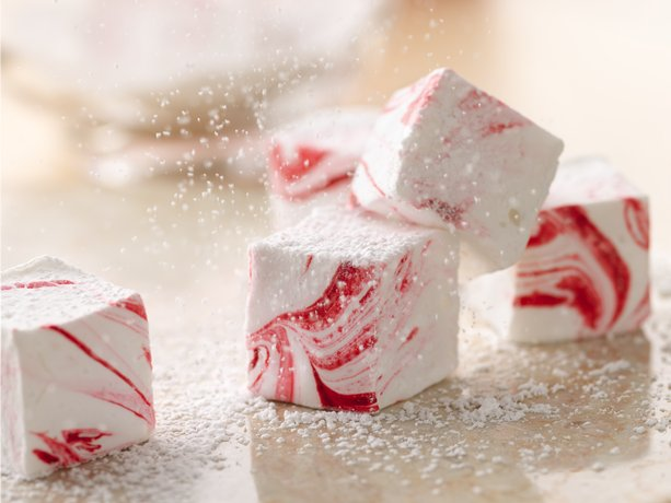 Easy homemade Peppermint Marshmallows. Perfect hot cocoa topper. Would make a fu