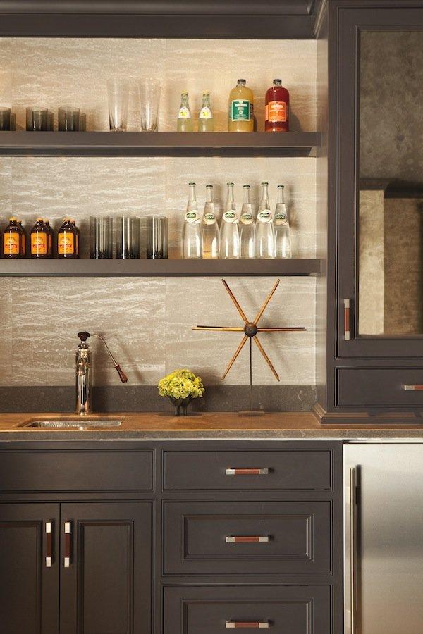 Minibar cabinets, countertop and backsplash: dark gray fronts, walnut handles, t