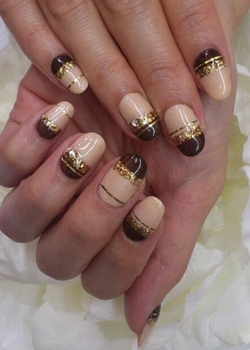Brown And Beige Stripes With Gold Glitter New Years Eve
