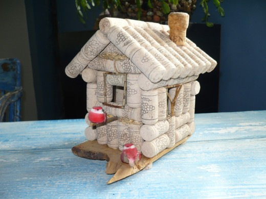 Do you wish to build your own Wine bottle cork birdhouse? It is so easy.