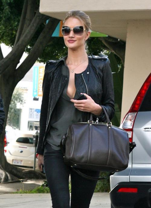 La Dolce Vita: Fashion Files: Rosie Huntington Whitley……sooo HAUTE!