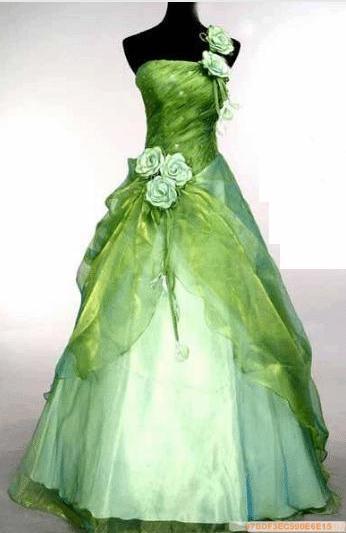 Fun Fact: White wedding dresses didn't gain popularity until Queen Victoria.