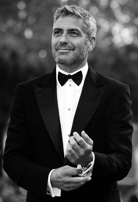 Black and White Pictures!!! 041943-George_Clooney