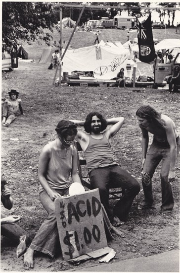 Woodstock. S)