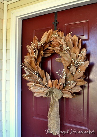 Decorating with nature -   HOME DECORATIONS WITH FALL LEAVES