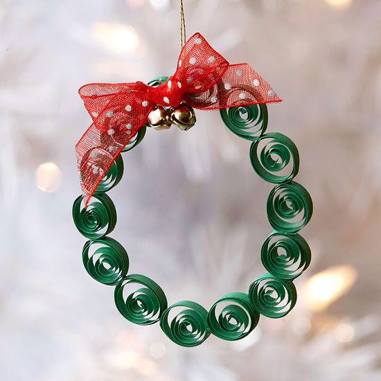 Quilled Wreath -   Easy Christmas Ornaments