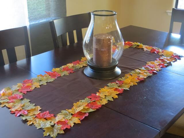 Fall Leaf table runner -   HOME DECORATIONS WITH FALL LEAVES