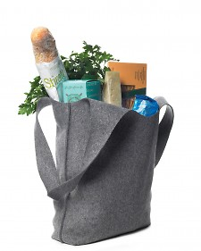 This soft felt bag is simple enough to make in multiples for shopping trips and