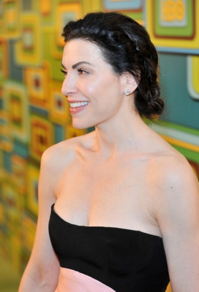 Julianna Margulies Elegant Chignon Hairstyle We Know How To Do It
