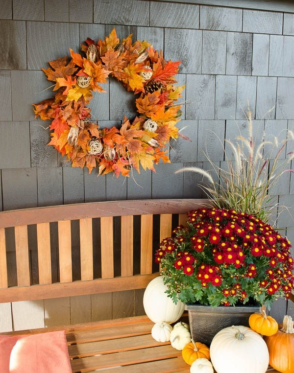 The beautifulWreath -   HOME DECORATIONS WITH FALL LEAVES