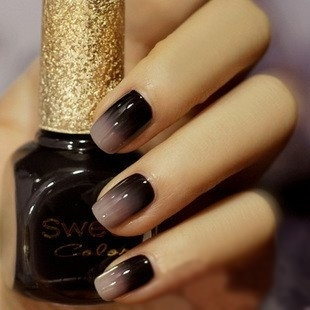awesome, for Halloween!  black/gray ombre nails