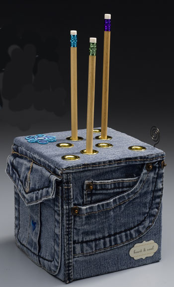 Repurpose Old Jeans to Make a Pencil Cube | Crafts 'n Coffee  I am i