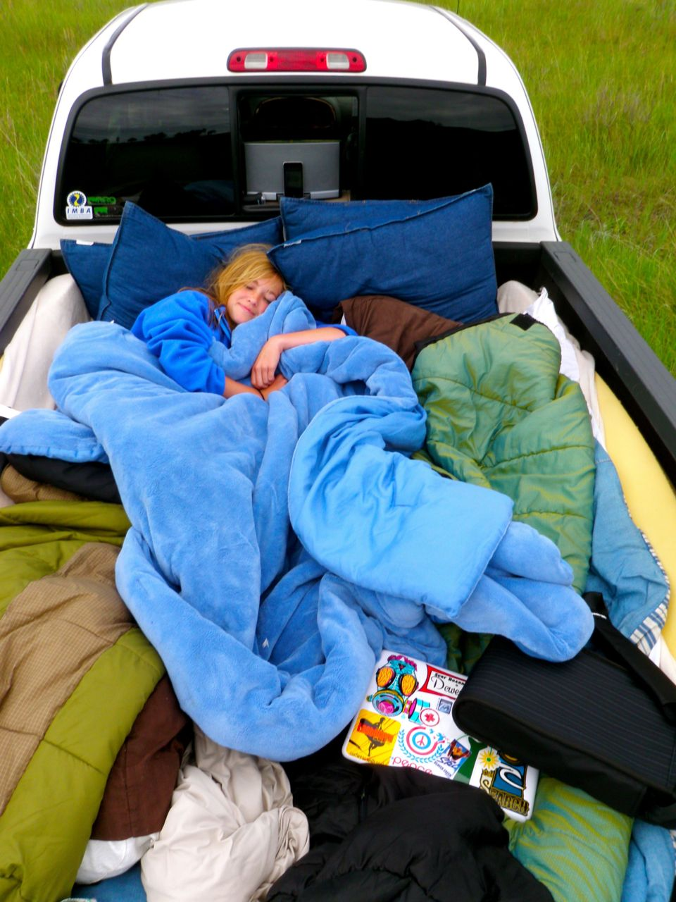 Fill a truck bed full of pillows and blankets and drive to the middle of nowhere