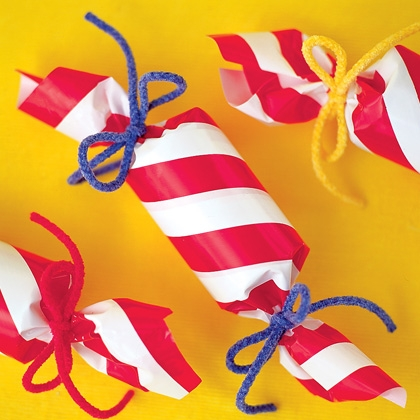 Holiday Crackers Craft