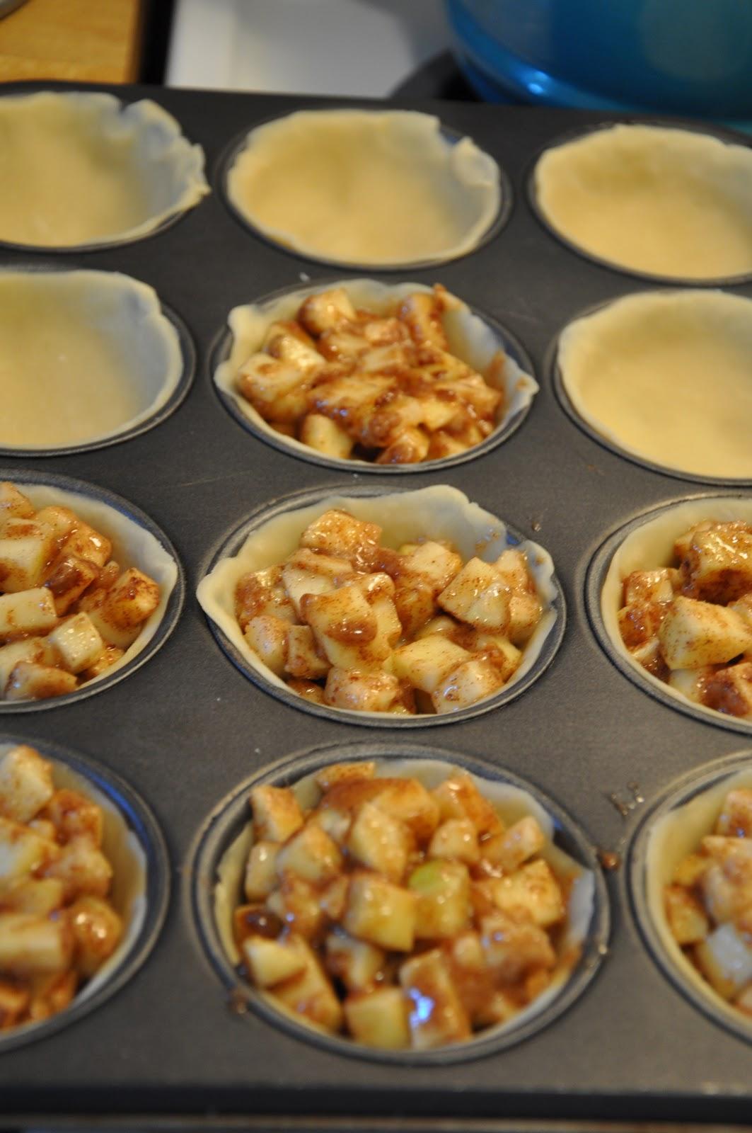 Mini apple pie recipe.