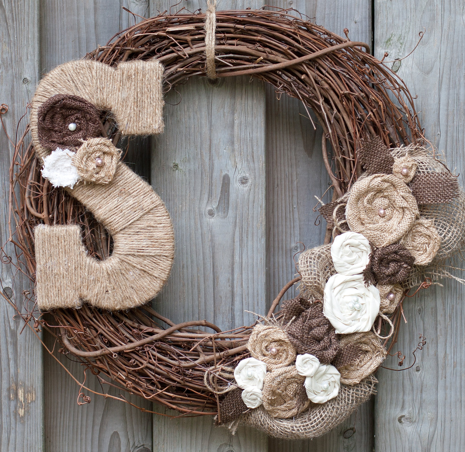 Monogram burlap wreath we know how to do it for Alphabet christmas wreath