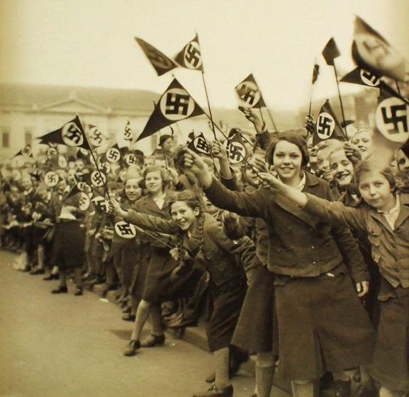 Nazi Girls.