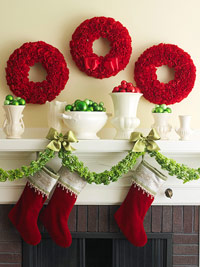 Stunning Christmas Carnation Wreath. Love the vivid bright red! Instructions for