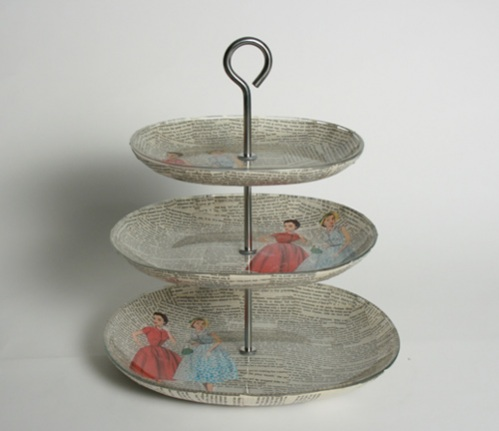 How to make your own three tiered Jewelry Stand with Mod Podge! This is a cute i
