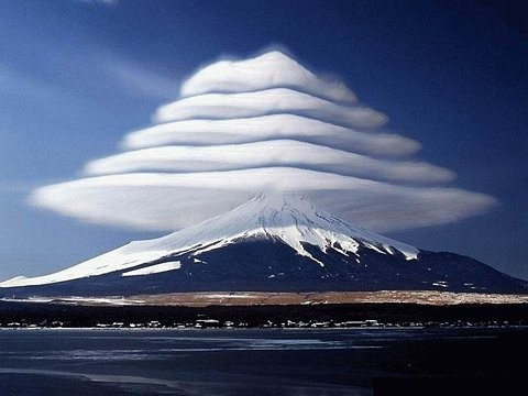 ♥♥♥ Merry Christmas Lenticular Clouds, Mount Fuji, Japan