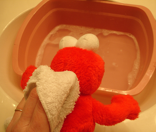 How to clean stuffed animals that cannot go through the washer! good to know! On