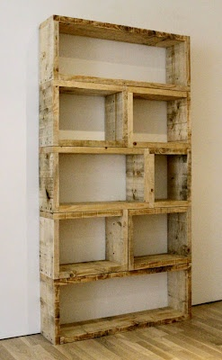 $3 DIY Pallet Bookshelf. this is genuis. bookshelves are expensive. – Click imag