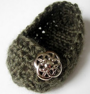 Crochet baby shoe… finished making these! The pattern was simple to follow, ev