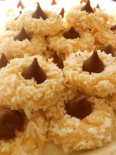 Macaroon Kiss Cookies