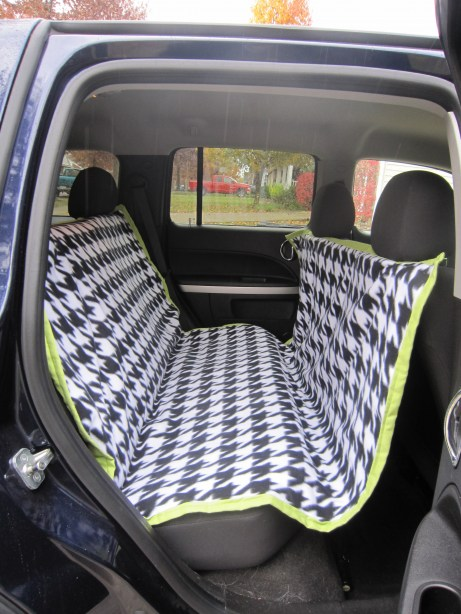 DIY car seat cover for dogs–hammock style keeps them from jumping into the fron