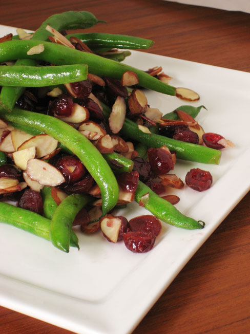 Green beans with cranberry and almonds. Great side dish for Thanksgiving or Chri