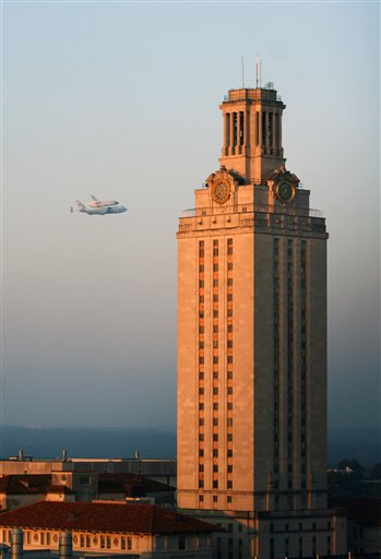 UT Tower Lands on Twitter's Most Popular Posts of 2012