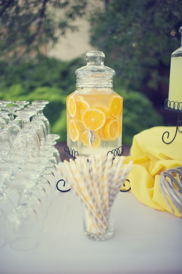 GREY 'N' YELLOW WEDDING :) | By Antonia Christianson Events | The Kn