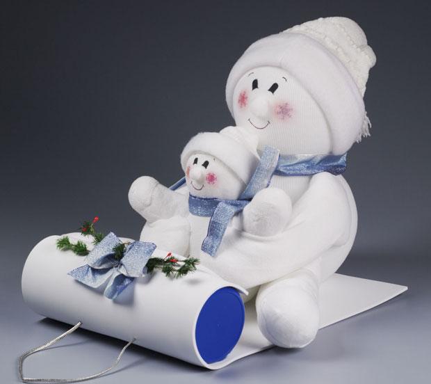 Snowmen crafts from repurposed socks