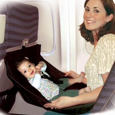 How cool is this for traveling mamas! Happy baby, happy mama, great start to you