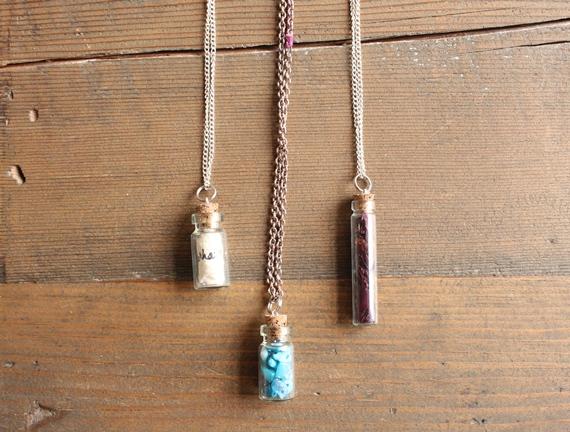 diy-apothecary-necklace