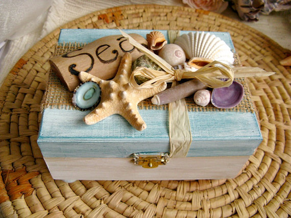 Driftwood and shell beach treasure box. Wood keepsake jewelry box with driftwood and shells. Made in USA.