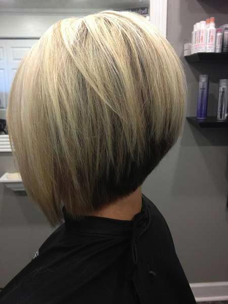 Medium Bob Haircut in Blonde - Inverted