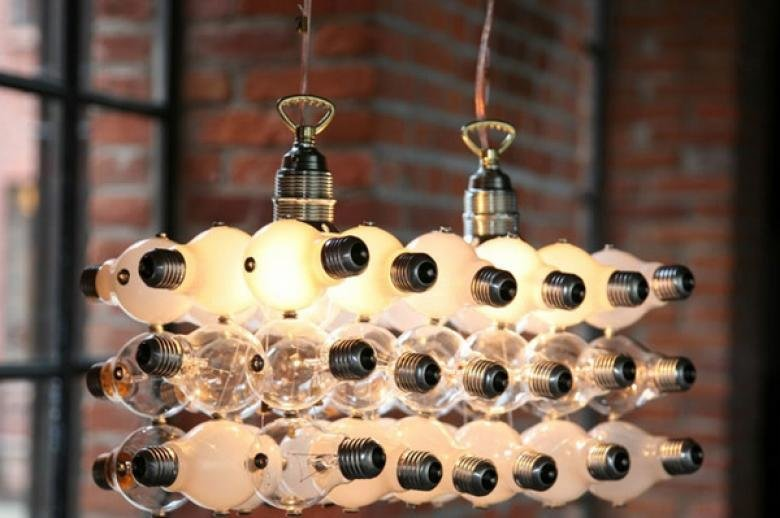 You could not imagine that this could be done from a burnt out bulb. Brilliantly! decor, interesting, beautiful, own hands, old light bulb, photo